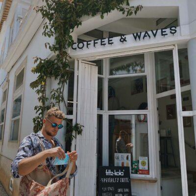 Kaviareň Coffee and Waves