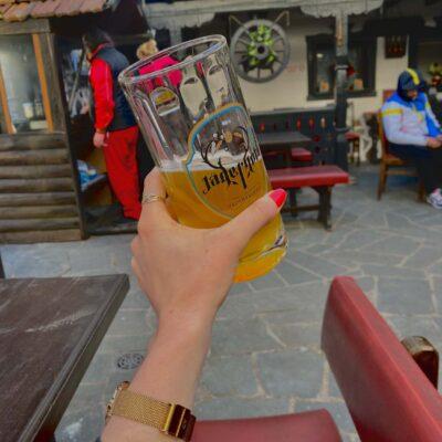 Pivo v tradičnej bulharskej mehane