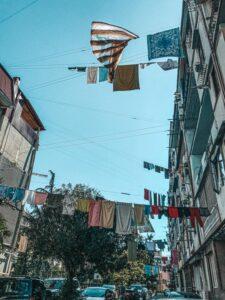Batumi - zavesené prádlo domácich