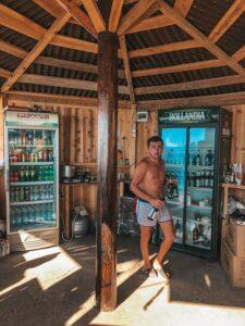 Pán bufetár na pláži v Batumi